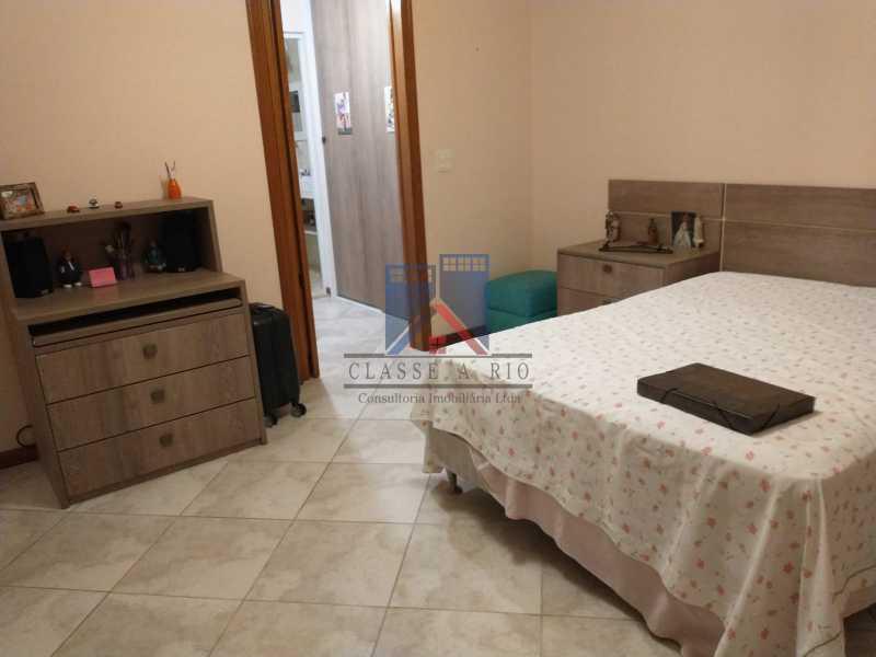 18 - Pechincha-Próximo ao Center Shopping, Casa Maravilhosa, 04 quartos (03 suites), 05 vagas de garagem - FRCA40009 - 25