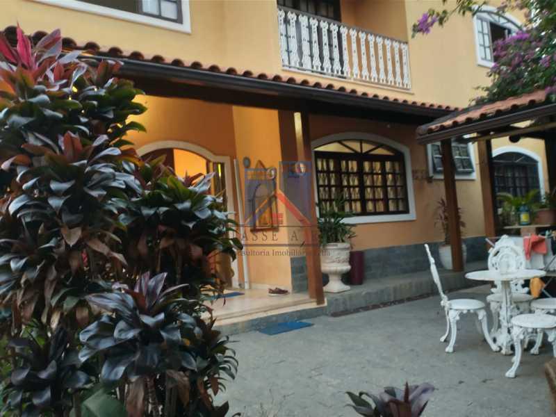 25 - Pechincha-Próximo ao Center Shopping, Casa Maravilhosa, 04 quartos (03 suites), 05 vagas de garagem - FRCA40009 - 3