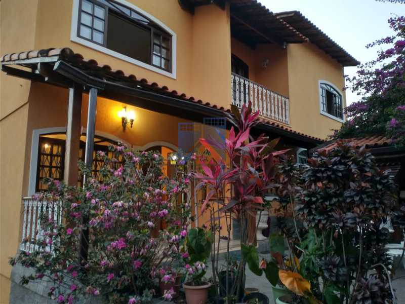 30 - Pechincha-Próximo ao Center Shopping, Casa Maravilhosa, 04 quartos (03 suites), 05 vagas de garagem - FRCA40009 - 1