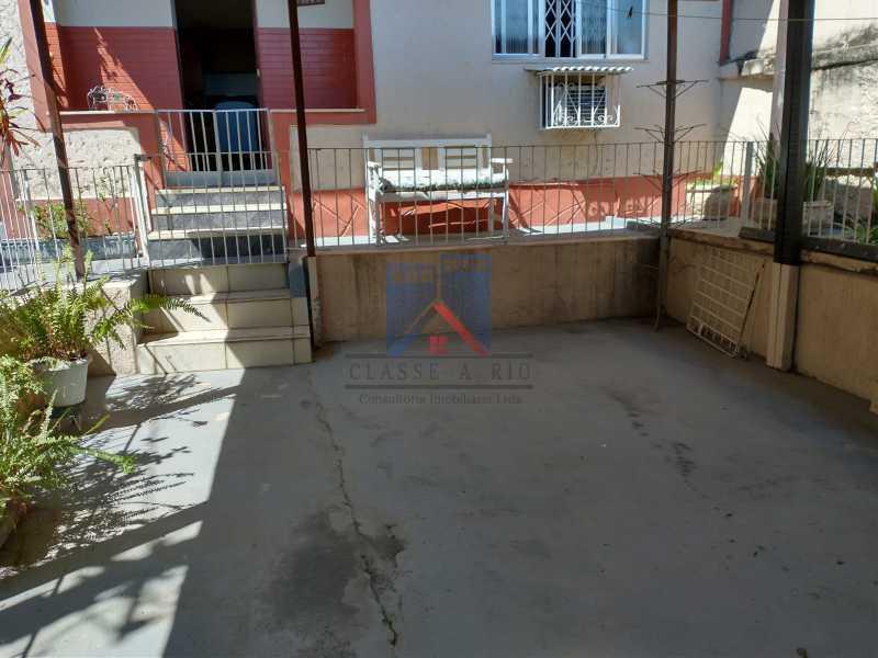 1 - Marechal Hermes- Duas Casas em terreno de 300 metros, total de 05 quartos, 01 vaga de garagem coberta. - FRCA50003 - 5