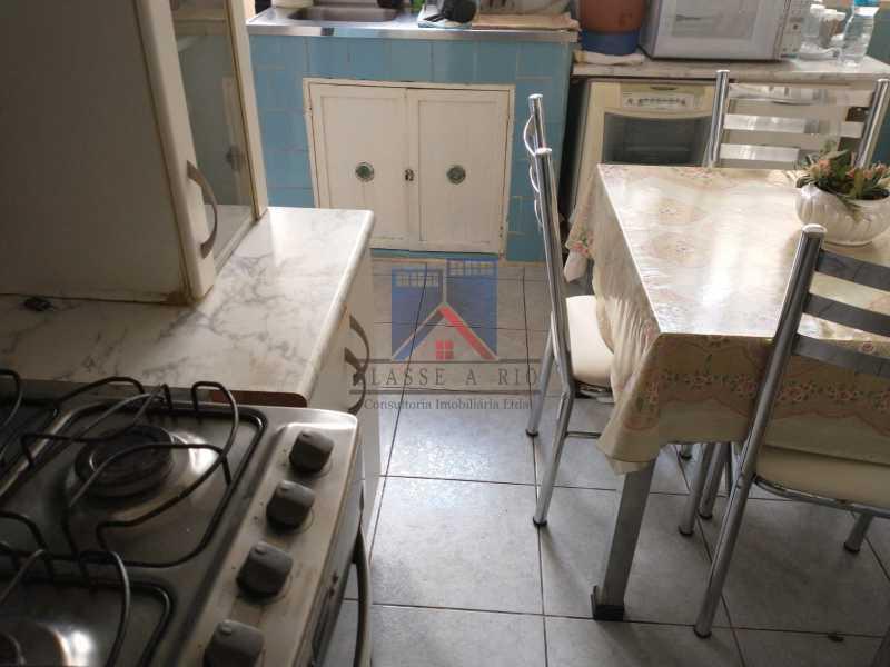 9 - Marechal Hermes- Duas Casas em terreno de 300 metros, total de 05 quartos, 01 vaga de garagem coberta. - FRCA50003 - 18