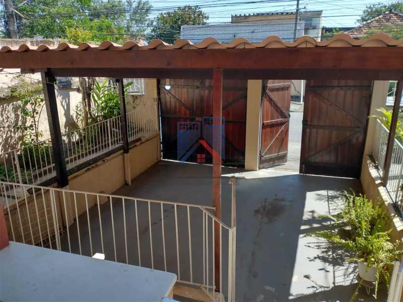 10 - Marechal Hermes- Duas Casas em terreno de 300 metros, total de 05 quartos, 01 vaga de garagem coberta. - FRCA50003 - 7