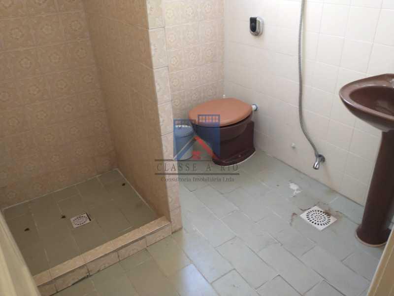 15 - Marechal Hermes- Duas Casas em terreno de 300 metros, total de 05 quartos, 01 vaga de garagem coberta. - FRCA50003 - 31