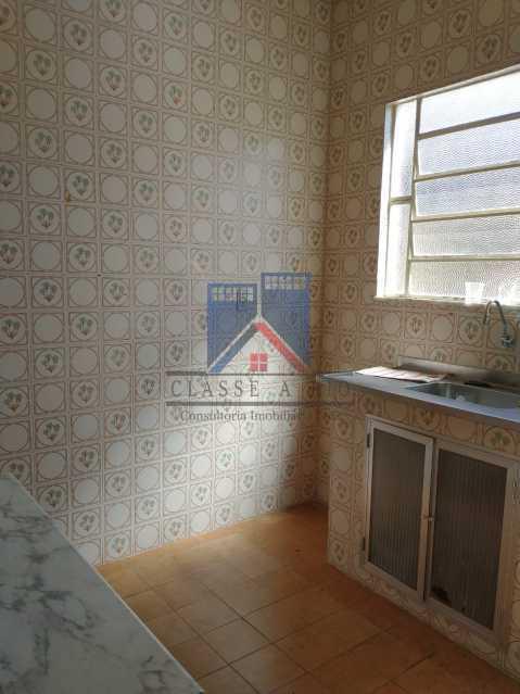20 - Marechal Hermes- Duas Casas em terreno de 300 metros, total de 05 quartos, 01 vaga de garagem coberta. - FRCA50003 - 30