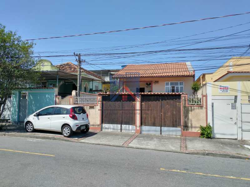 28 - Marechal Hermes- Duas Casas em terreno de 300 metros, total de 05 quartos, 01 vaga de garagem coberta. - FRCA50003 - 22