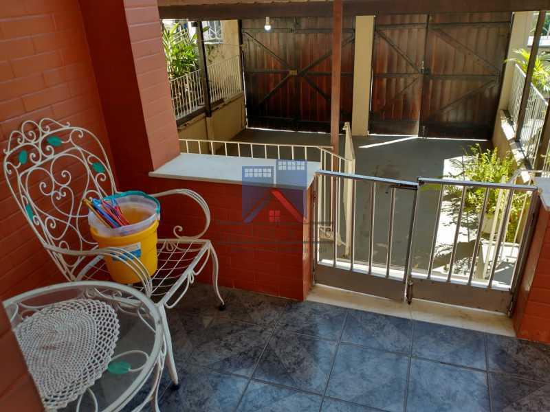 30 - Marechal Hermes- Duas Casas em terreno de 300 metros, total de 05 quartos, 01 vaga de garagem coberta. - FRCA50003 - 9