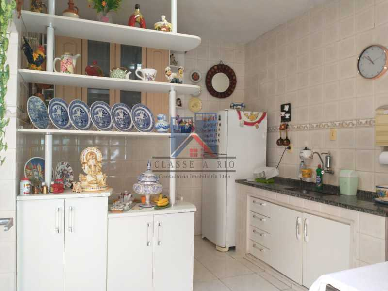 22 - Vista Alegre-Area Nobre, 02 casas, 03 quartos, terraço, Valor RS 590 Mil - FRCA30012 - 23