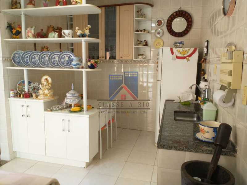 24 - Vista Alegre-Area Nobre, 02 casas, 03 quartos, terraço, Valor RS 590 Mil - FRCA30012 - 25