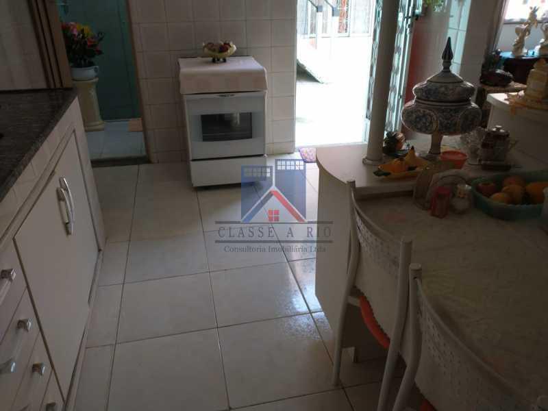 25 - Vista Alegre-Area Nobre, 02 casas, 03 quartos, terraço, Valor RS 590 Mil - FRCA30012 - 26