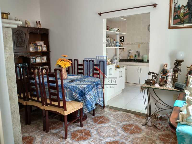 26 - Vista Alegre-Area Nobre, 02 casas, 03 quartos, terraço, Valor RS 590 Mil - FRCA30012 - 27