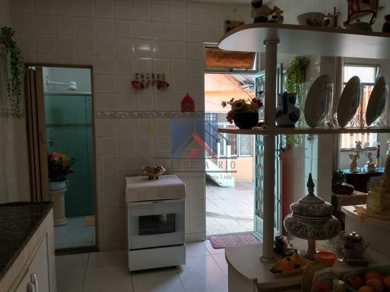 30 - Vista Alegre-Area Nobre, 02 casas, 03 quartos, terraço, Valor RS 590 Mil - FRCA30012 - 31