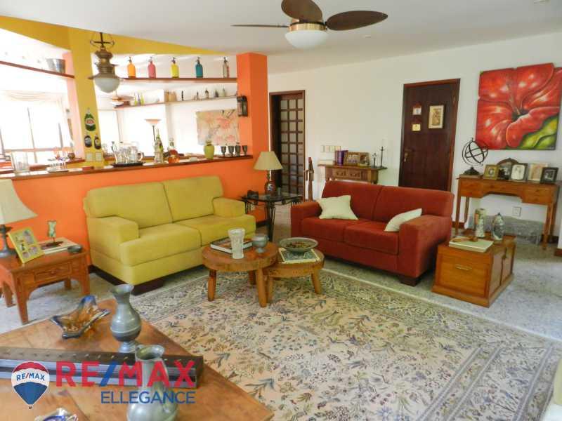 PSX_20200623_125834 - Casa no Cosme Velho, espaço e tranquilidade - RFCA60001 - 17
