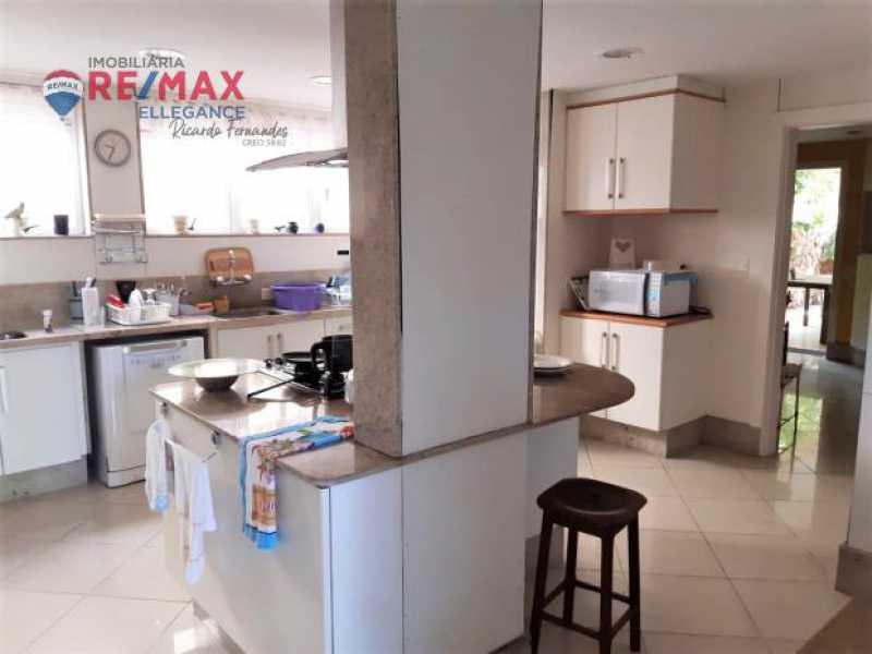 13.2 - Casa espetacular 5 suítes 699,00 m² - RFCA50001 - 10