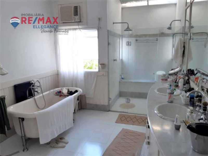 33.2 - Casa espetacular 5 suítes 699,00 m² - RFCA50001 - 16