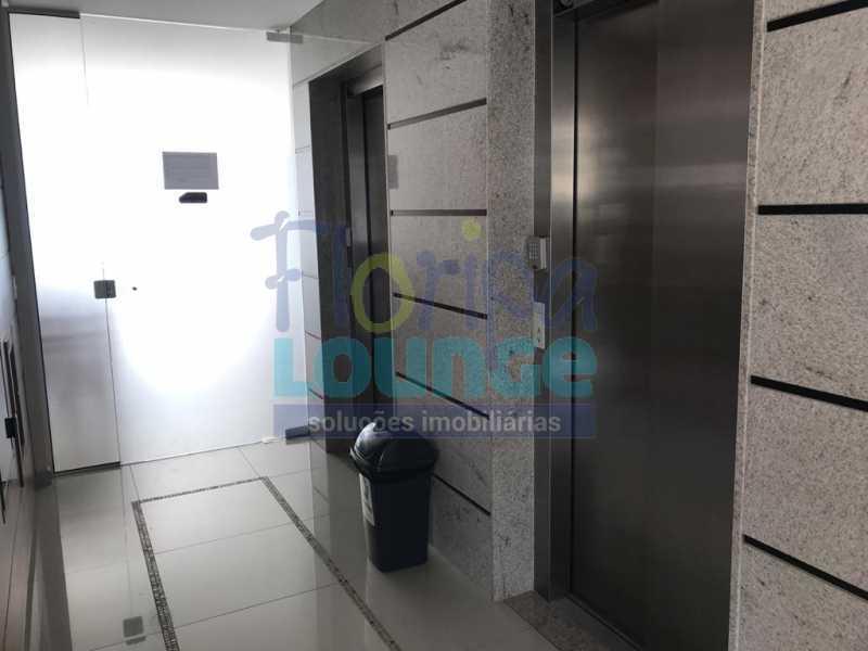 ELEVADORES - Apartamento À venda no bairro Agronômica em Florianópolis, com 3 dormitórios suítes - AGR3AP 2073 - 24