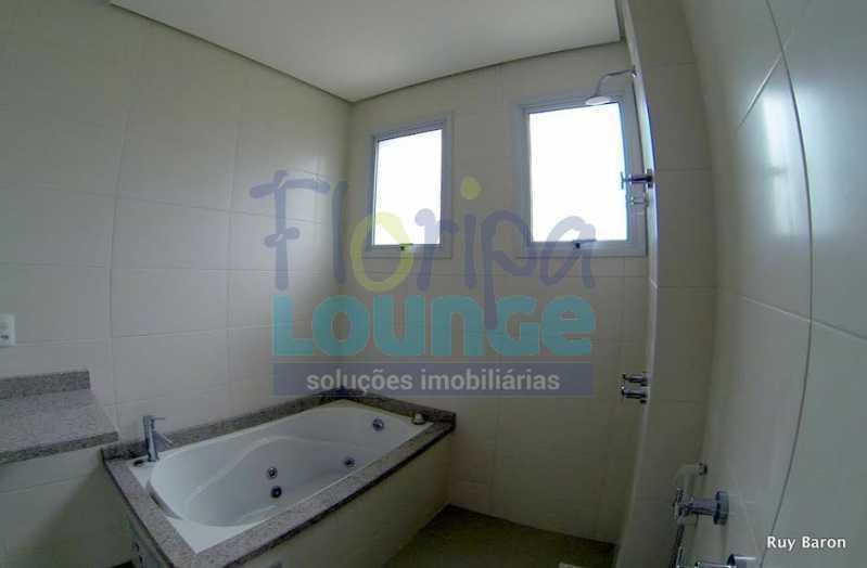 BANHEIRO SUÍTE - Apartamento À venda no bairro Agronômica em Florianópolis, com 3 dormitórios suítes - AGR3AP 2073 - 17