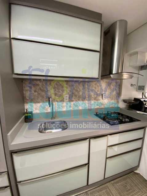 Cozinha - Apartamento no Centro com 3 dormitórios, sendo 2 suítes - CEN3AP2191 - 12