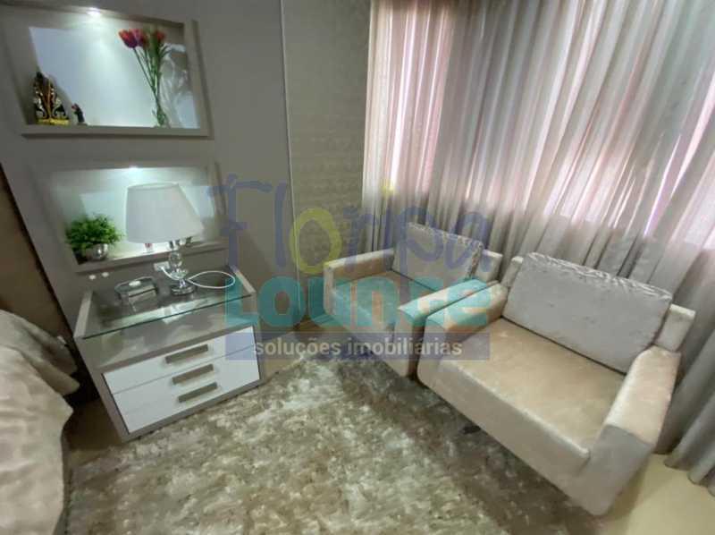 Dormitório - Apartamento no Centro com 3 dormitórios, sendo 2 suítes - CEN3AP2191 - 22