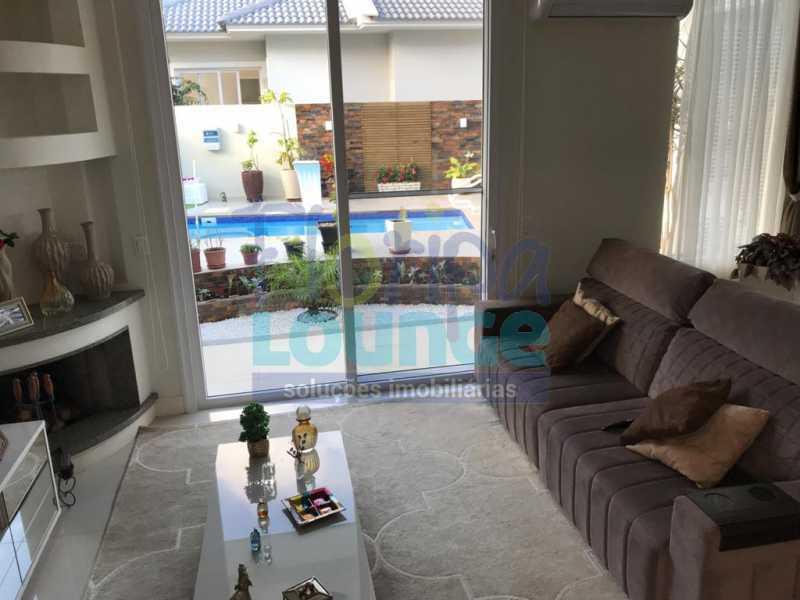Sala - Casa em condomínio fechado À venda no bairro Saco Grande, com 4 dormitórios. - SG4CC2197 - 8