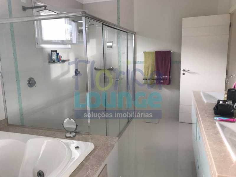 Banheiro da Suíte - Casa em condomínio fechado À venda no bairro Saco Grande, com 4 dormitórios. - SG4CC2197 - 24