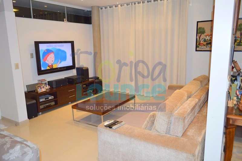 SALA DE ESTAR - Casa À venda no Condomínio Village Club, bairro Saco Grande com 3 suítes - SGRCC2207 - 3