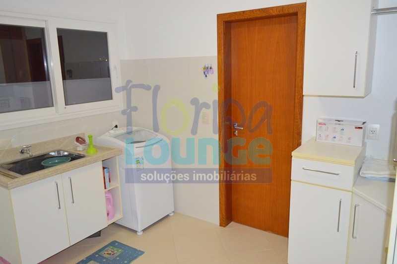 ÁREA DE SERVIÇO - Casa À venda no Condomínio Village Club, bairro Saco Grande com 3 suítes - SGRCC2207 - 22