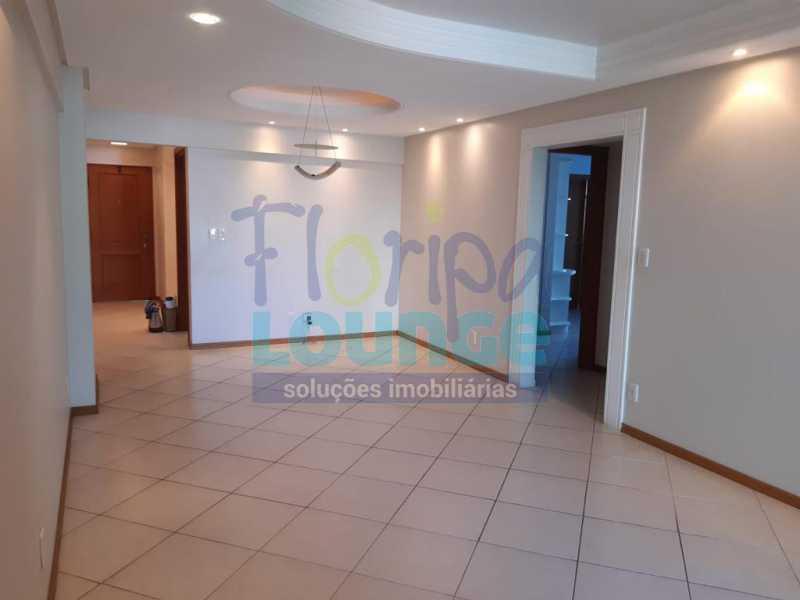 SALA - Apartamento no Bairro Fazenda em Itajaí com 3 suítes - ITJ3AP2212 - 7
