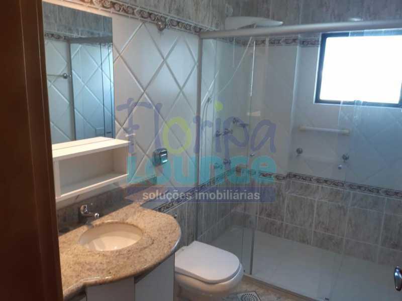 BANHEIRO - Apartamento no Bairro Fazenda em Itajaí com 3 suítes - ITJ3AP2212 - 16