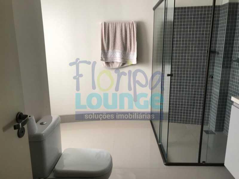 BANHEIRO - Casa em condomínio em cacupé com 5 suítes - CACCC2216 - 22