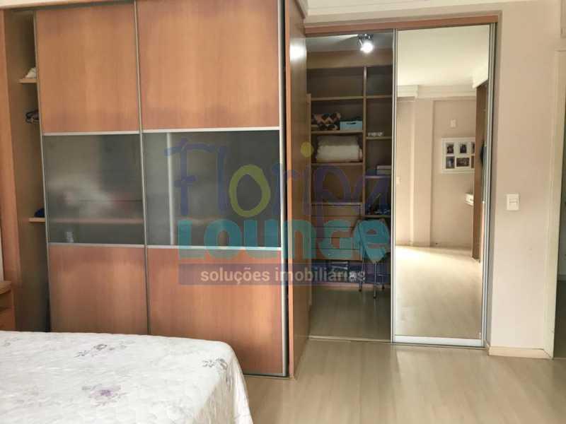 SUÍTE DE BAIXO - Casa em condomínio em cacupé com 5 suítes - CACCC2216 - 10