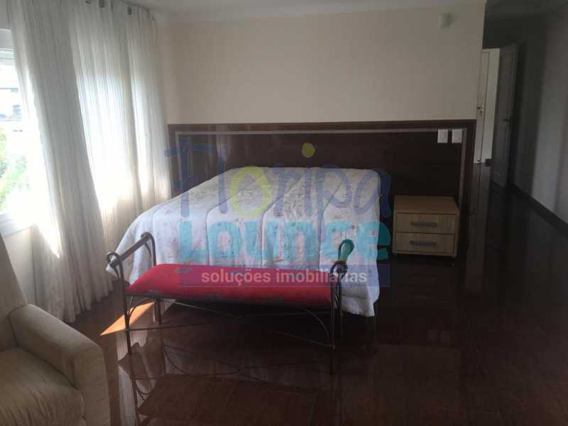 DORMITÓRIO - Casa a venda no bairro Jurerê Internacional em Florianópolis. - JUR4C2224 - 15