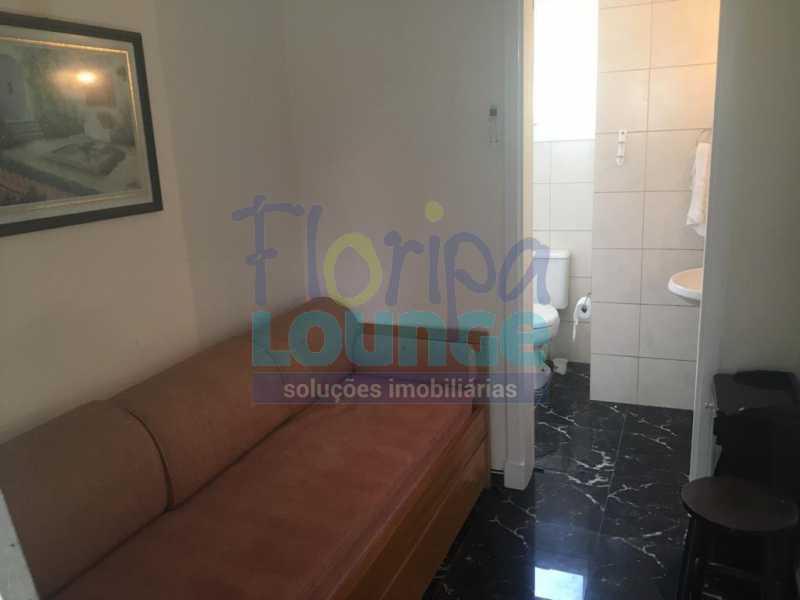 SALA - Casa a venda no bairro Jurerê Internacional em Florianópolis. - JUR4C2224 - 7