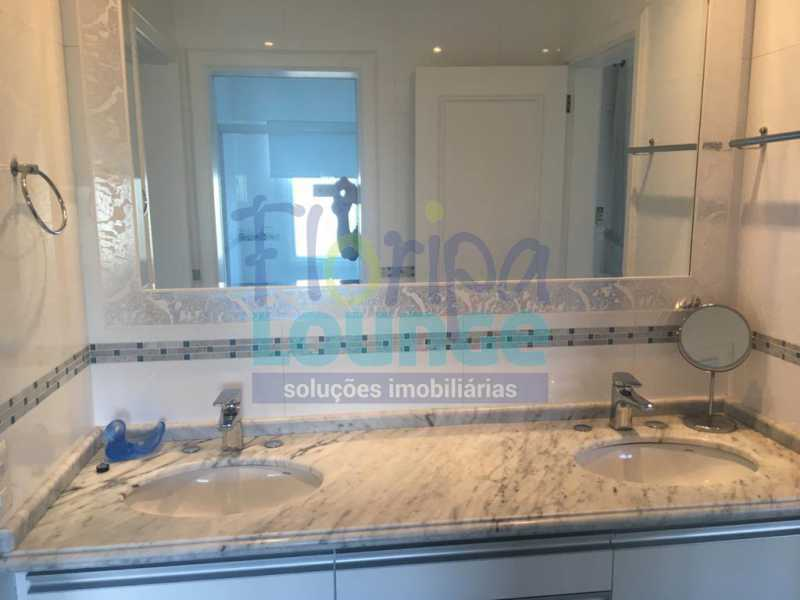 BANHEIRO - Casa a venda no bairro Jurerê Internacional em Florianópolis. - JUR4C2224 - 20