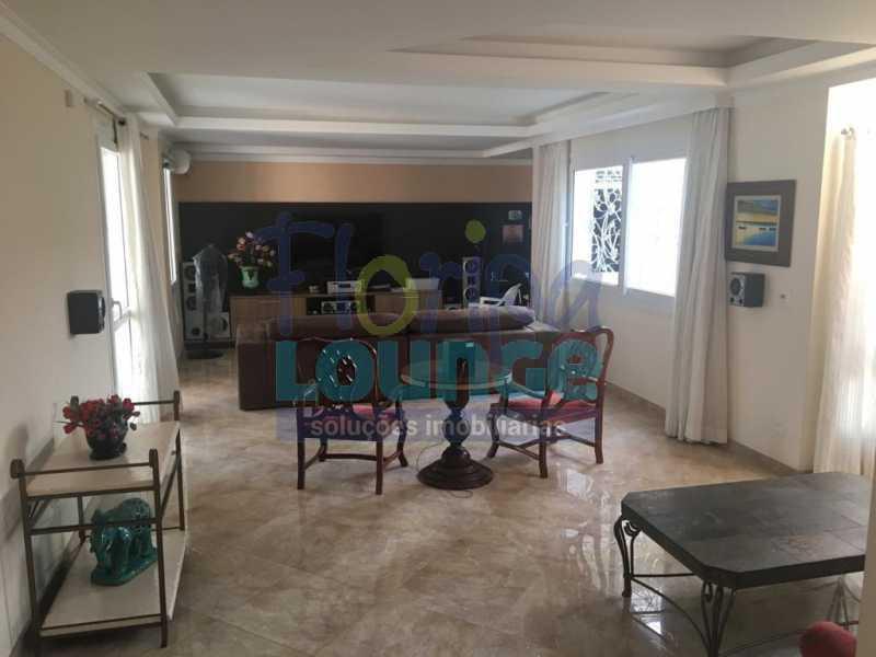 SALA - Casa a venda no bairro Jurerê Internacional em Florianópolis. - JUR4C2224 - 4
