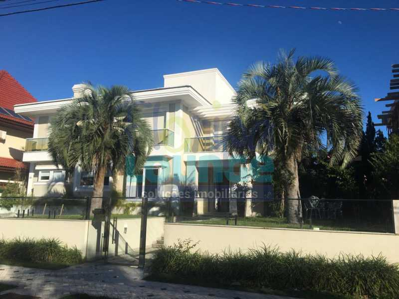 FACHADA - Casa a venda no bairro Jurerê Internacional em Florianópolis. - JUR4C2224 - 24