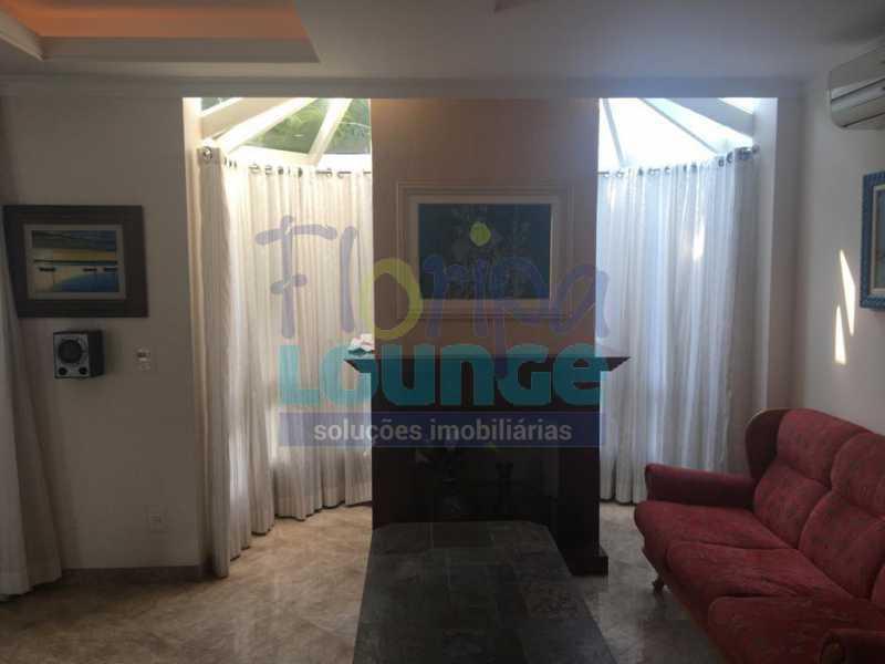 DORMITÓRIO - Casa a venda no bairro Jurerê Internacional em Florianópolis. - JUR4C2224 - 22