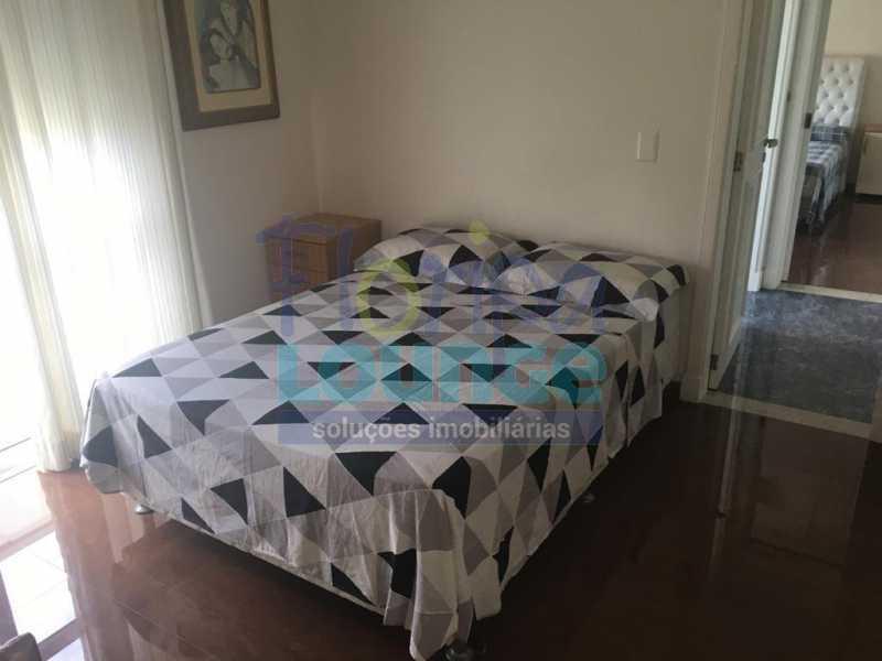 DORMITÓRIO - Casa a venda no bairro Jurerê Internacional em Florianópolis. - JUR4C2224 - 23
