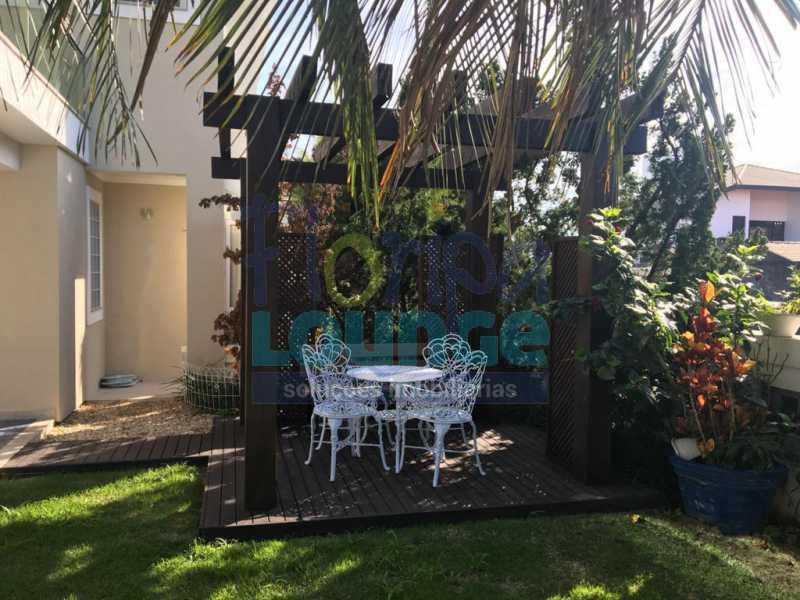 JARDIM - Casa a venda no bairro Jurerê Internacional em Florianópolis. - JUR4C2224 - 26