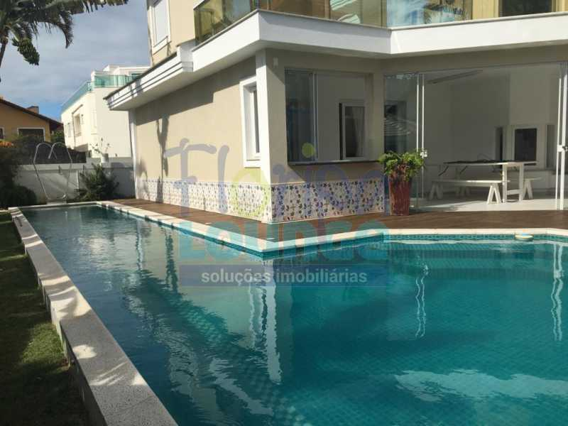PISCINA1 - Casa a venda no bairro Jurerê Internacional em Florianópolis. - JUR4C2224 - 27
