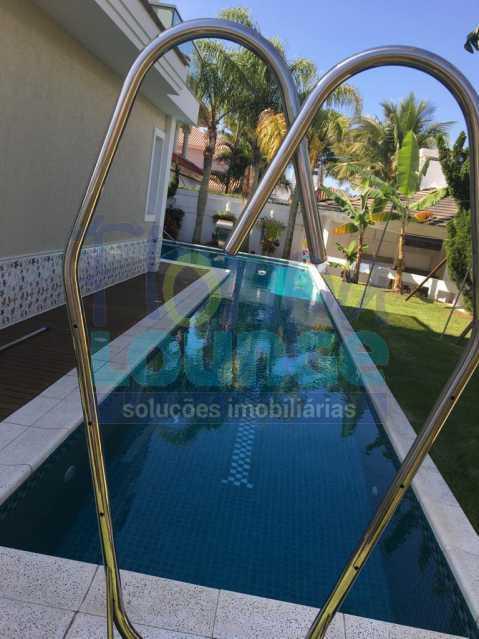 PISCINA - Casa a venda no bairro Jurerê Internacional em Florianópolis. - JUR4C2224 - 28