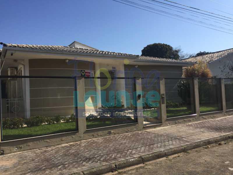 FACHADA FUNDOS - CASA ALTO PADRÃO NO JARDIM ACHIETA COM 3 DORMITÓRIOS - COR3C2272 - 29