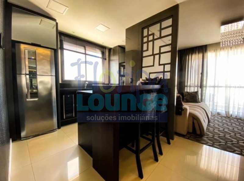 COZINHA - Excelente Apto , andar alto com vista panorâmica , com 3 quartos sendo 1 suite e 3 banheiros. - KOB3AP2272 - 5