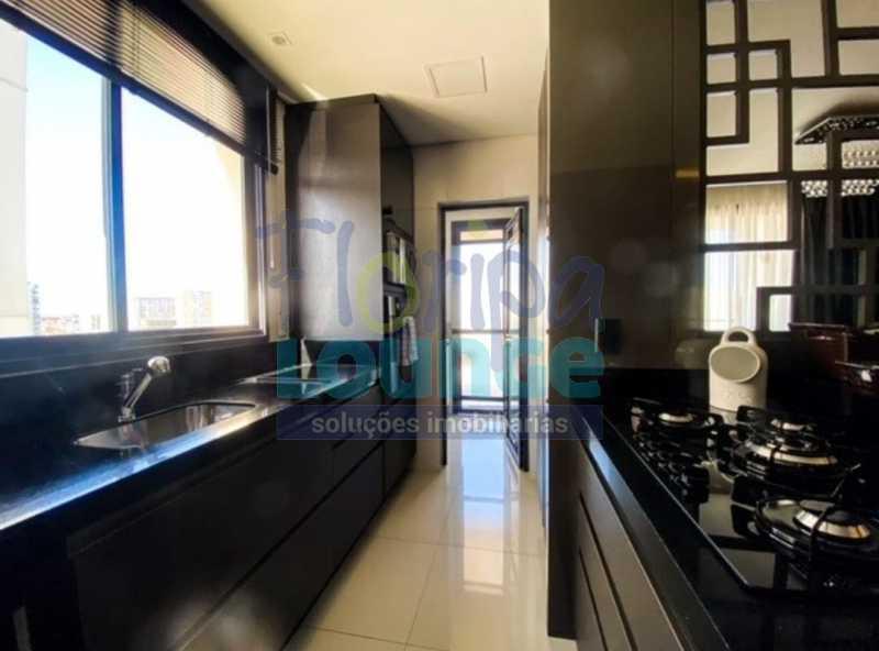 COZINHA - Excelente Apto , andar alto com vista panorâmica , com 3 quartos sendo 1 suite e 3 banheiros. - KOB3AP2272 - 15