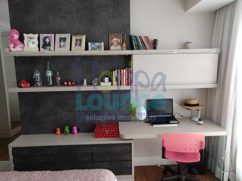 Dormitório - Apartamento lindo mobiliado na agronômica com 3 dormitórios - AGR3AP2037 - 17