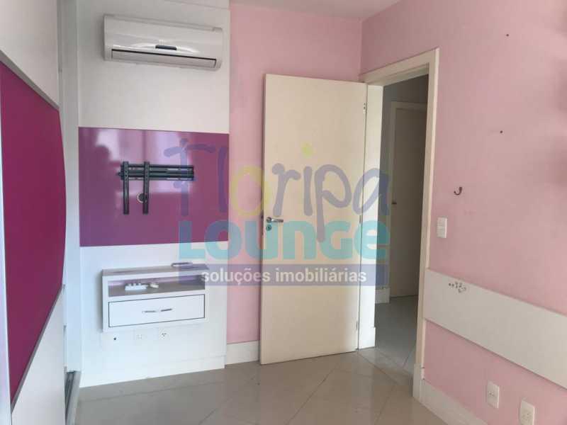 dormitório 3 - Apartamento À venda no bairro Agronômica em Florianópolis, com 3 quartos - AGR3AP 2042 - 15