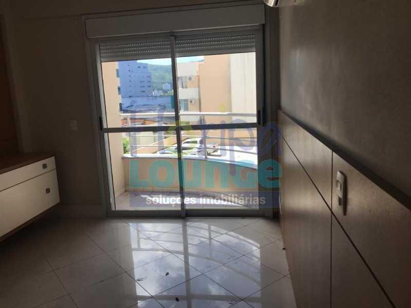suíte - Apartamento À venda no bairro Agronômica em Florianópolis, com 3 quartos - AGR3AP 2042 - 8