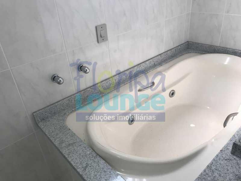 Banheiro da suíte - Apartamento À venda no bairro Agronômica em Florianópolis, com 3 quartos - AGR3AP 2042 - 11