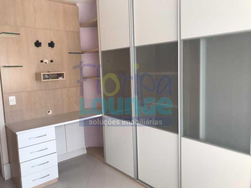 Dormitório 3 - Apartamento À venda no bairro Agronômica em Florianópolis, com 3 quartos - AGR3AP 2042 - 17