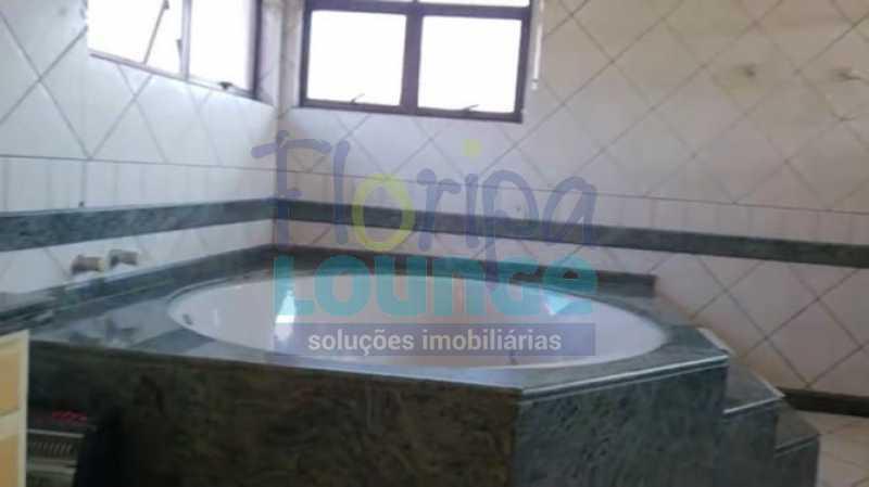 Banheiro suíte master - Belíssima Mansão Mobiliada com 05 Suítes em Jurerê, Florianópolis! - JUI5C2047 - 11