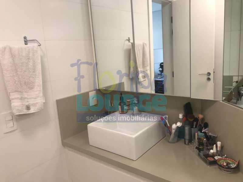 Banheiro - 3 SUÍTES AO LADO DO SHOPPING BEIRA MAR - AGR3AP2050 - 17
